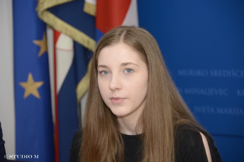 Aa Šafarić, učenica Graditeljske škole, pobjednica natječaja o rodnoj ravnopravnosti