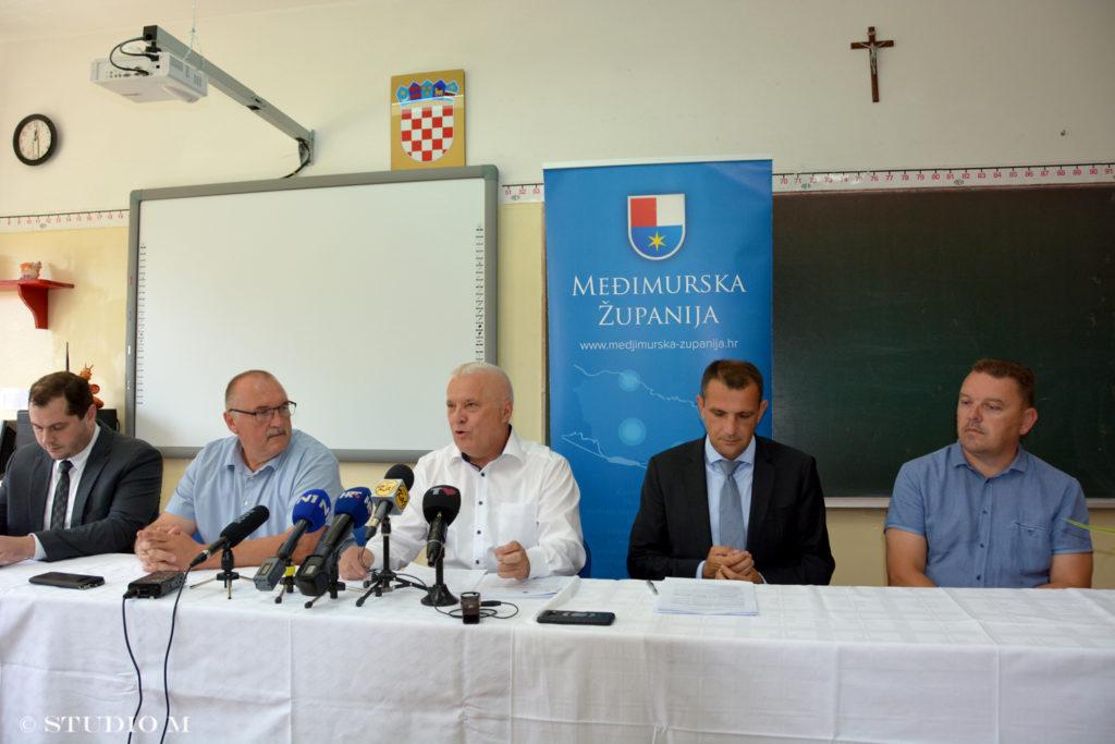 OŠ Hodošan, potpisivanje ugovora za energetsku obnovu školske zgrade (kolovoz, 2019)