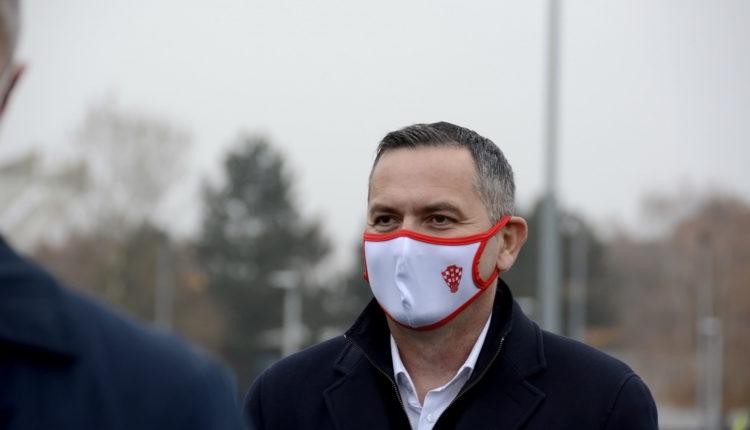 Čakovec, nogometni teren s umjetnom travom, 2020.11.28.